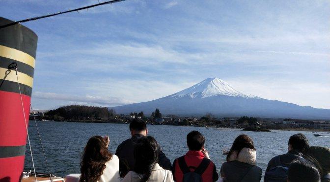 河口湖、富士急ハイランドも営業再開!都留市のログハウスへ!