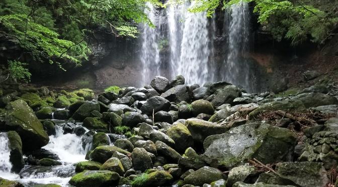 「乙女の滝」那須の隠れた秘境は駐車場から30秒!
