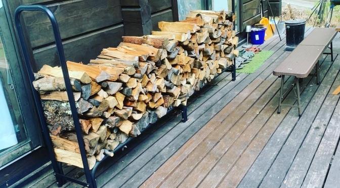 一冬で使う薪の量がハンパない!